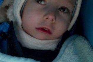 Важкі напади епілепсії не дають 6-річному Максимку розвиватись
