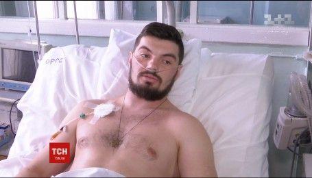 У Дніпрі лікарі врятували життя 25-річного бійця, який втратив ногу
