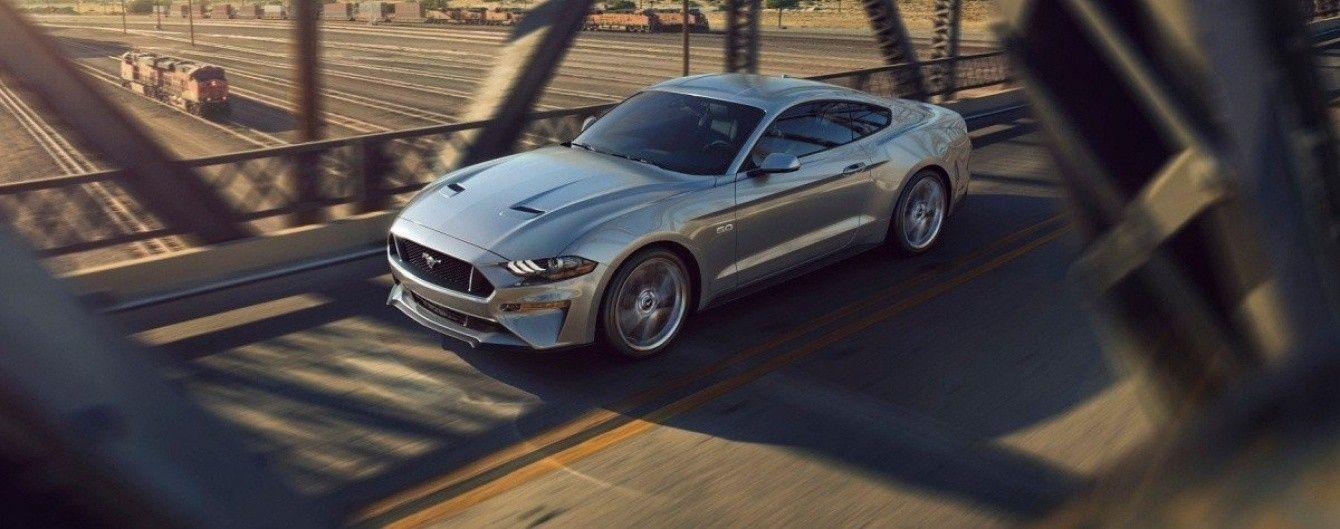 Ford официально представил обновленный спорткар Mustang