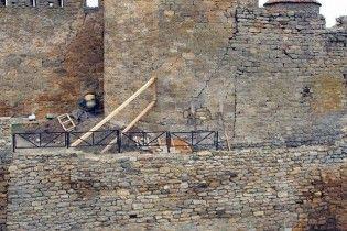 Сталеві опори та бетонна основа. На Одещині намагаються врятувати унікальну Аккерманську фортецю