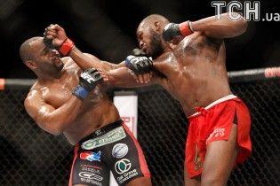 Дивись відео чемпіонських бої UFC Даніеля Корм'є та Кріса Вайдмана