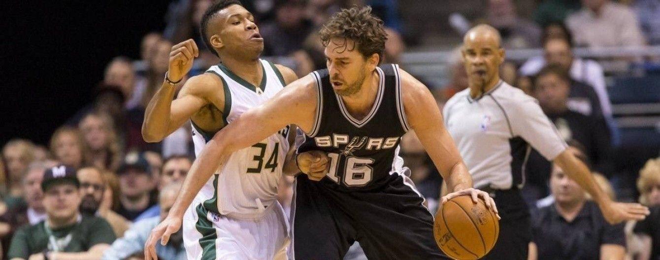 Зірковий баскетболіст НБА зламав руку на розминці перед матчем