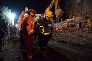 В Китае горная порода обвалилась на отель: есть погибшие