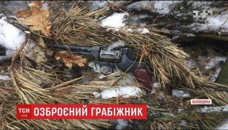 На Львовщине с перестрелкой правоохранители задержали опасного вора
