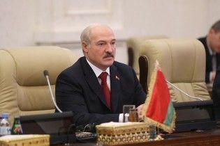 """После массовых протестов Лукашенко отложил введение """"налога на тунеядство"""""""