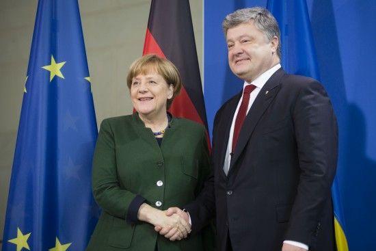 Порошенко зібрався з візитом до Меркель