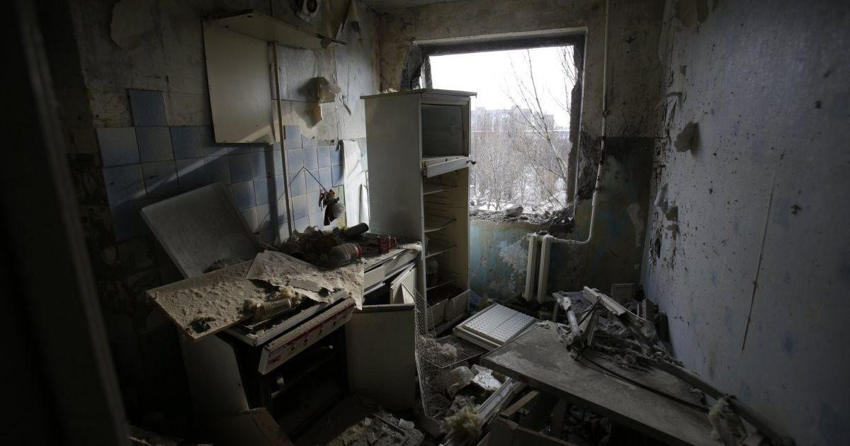 В Авдіївці снаряд бойовиків влучив у квартиру з матір'ю та її 5 дітьми – Аброськін
