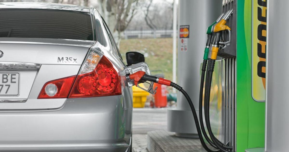 Скільки коштує заправити авто на АЗС вранці 12 лютого