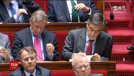 Во Франции сразу два претендента на президентское кресло могли нарушить закон