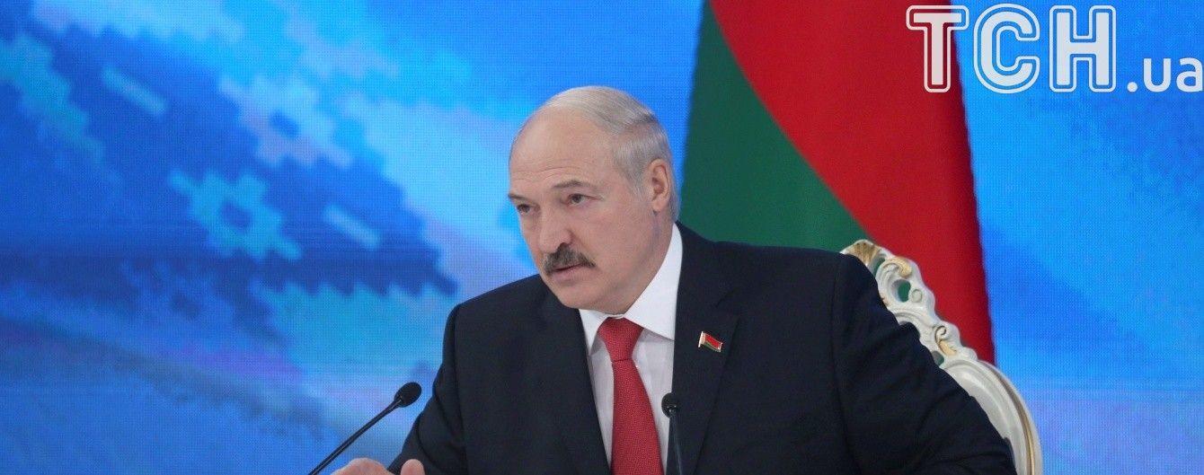 """""""Це вже стає смішно"""". Лукашенко різко розкритикував торговельну політику Росії"""