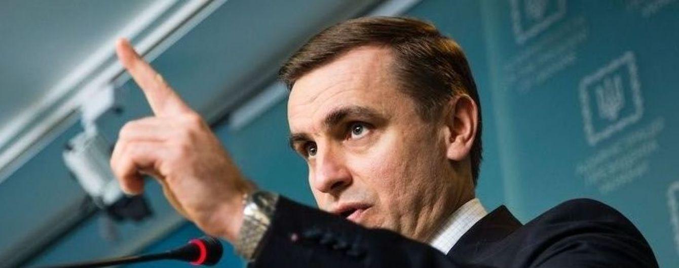 В АП заявили, что не будут согласовывать с боевиками введение на Донбасс миротворцев