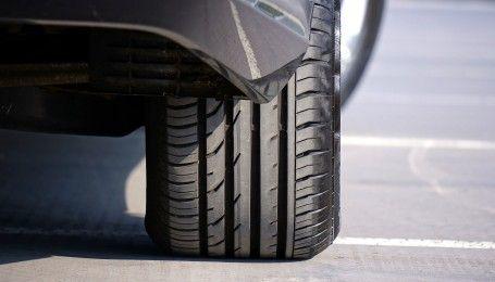 Названі найпоширеніші помилки автомобілістів під час сезонної зміни шин