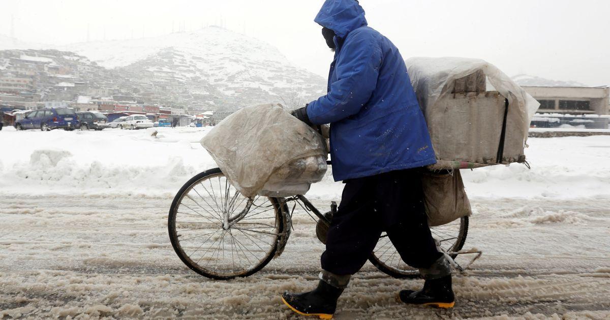 Снег укрыл Афганистан