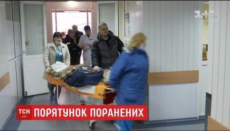 В больнице Мечникова спасают жизнь молодого бойца с Луганщины