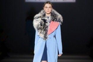 UFW: меховые воротники и брюки галифе в коллекции Юлии Айсиной