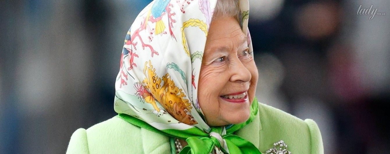 Королева Елизавета II продемонстрировала любимое украшение