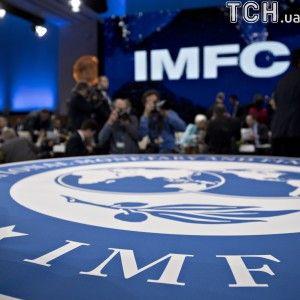 Україна домовляється з МВФ про новий кредит у 5 млрд доларів – Bloomberg