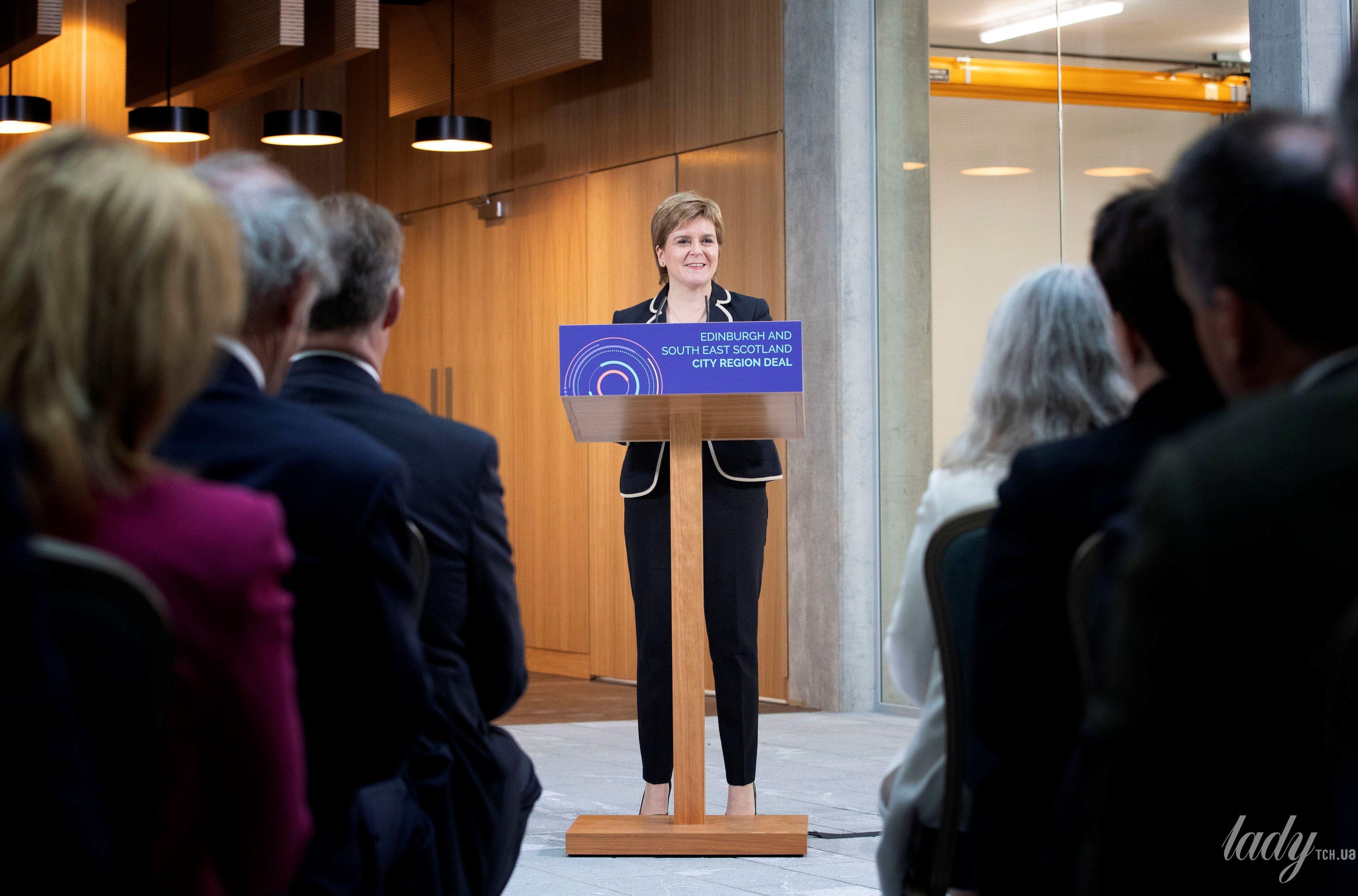 Первый министр Шотландии Никола Стерджен_4