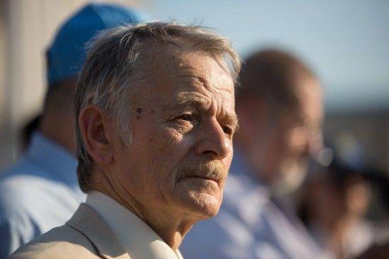 Російські окупанти прийшли з перевіркою в дім лідера кримськотатарського народу Джемілєва