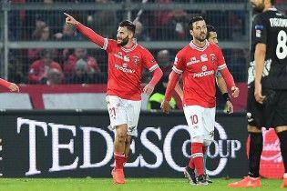 Красивейший гол из Серии В. Итальянский футболист забил пяткой с разворота