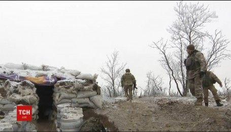 За сутки в зоне АТО прозвучало 70 обстрелов и ранен один боец