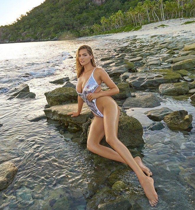 Анна михайловская в купальнике #8