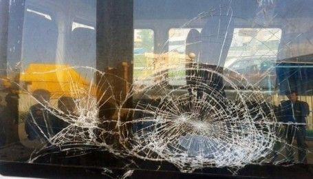 У Бердянську невідомі обстріляли маршрутку (відео)