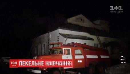 На Буковине в сельской школе произошел пожар: учебный класс выгорел дотла