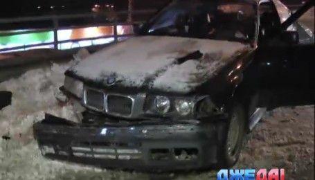 В Киеве пьяный водитель BMW выехал на встречную и спровоцировал масштабное ДТП