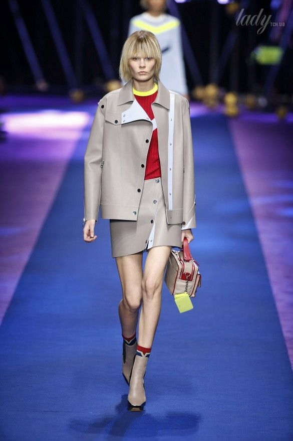 Коллекция Versace прет-а-порте сезона весна-лето 2017_23