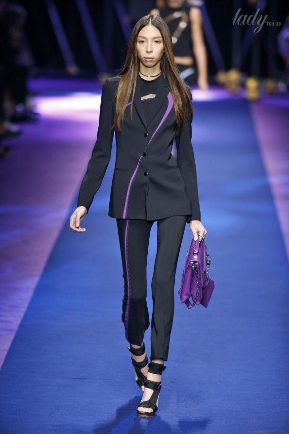 Коллекция Versace прет-а-порте сезона весна-лето 2017_18