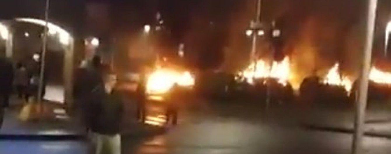 В Стокгольме десятки молодых людей устроили погромы