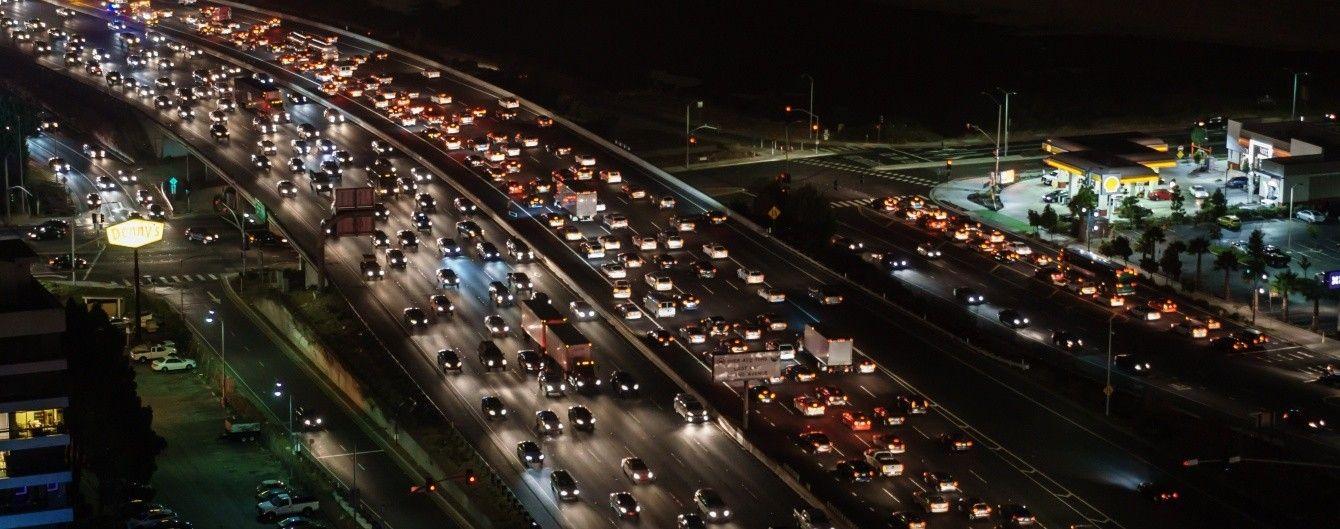 Рейтинг городов с самым плотным трафиком в час пик. Инфографика