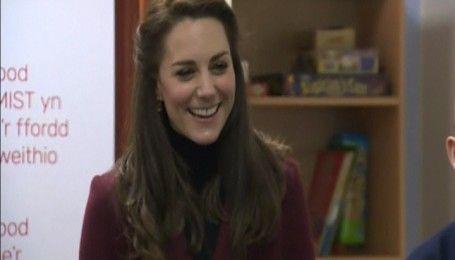 Герцогиня Кембриджская не умеет играть в бильярд