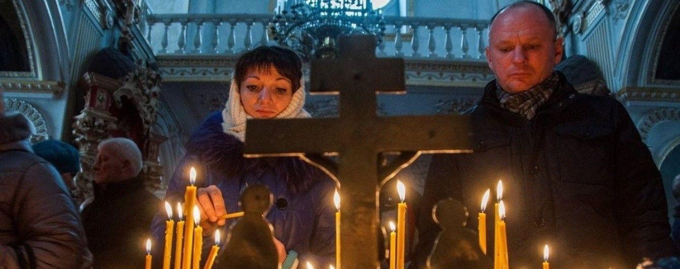 В Житомире неизвестные ограбили старинный собор УПЦ КП