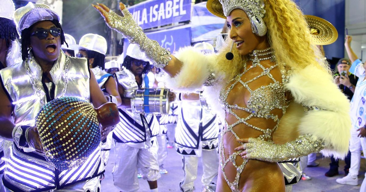essay on rio de janeiro carnival Carnival being celebrated at rio de janeiro in brazil any other festival or celebration seems insignificant when compared with the greatest show on earth - rio carnival street processions are accompanied by dancers with sincerely elaborated costumes and radiant tableaux.