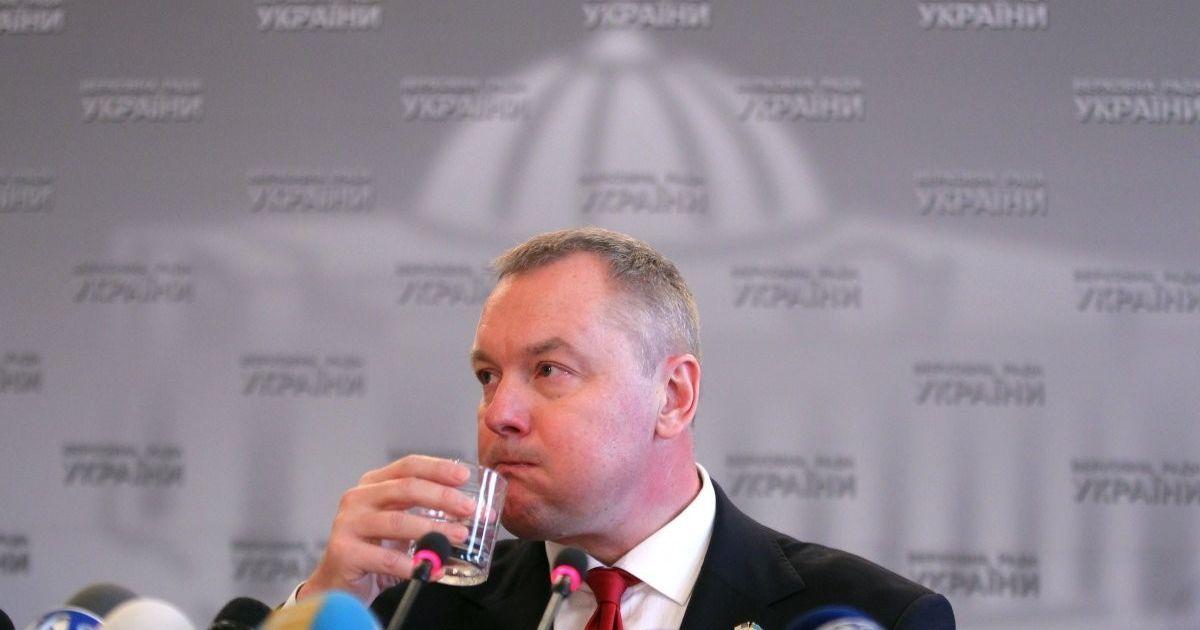 ВАСУ признал законным указ Порошенко о лишении нардепа Артеменко гражданства