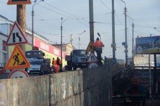 В Киеве перекроют Шулявский путепровод. Работа общественного транспорта и схемы объезда в Инфографике