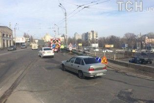 В Киеве частично перекроют Шулявский путепровод из-за начала масштабного ремонта