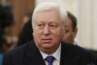 ГПУ викликала на допит Пшонку з сином, Азарова-молодшого та Іванющенка