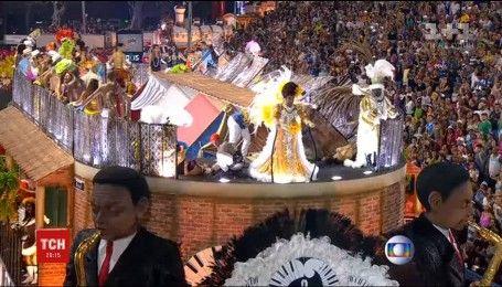 На бразильском карнавале произошел очередной инцидент с травмированием людей