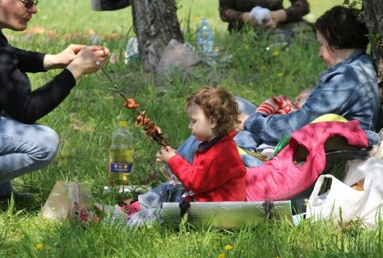 8 Березня, Великдень та 1 Травня: скільки бонусних вихідних матимуть українці навесні