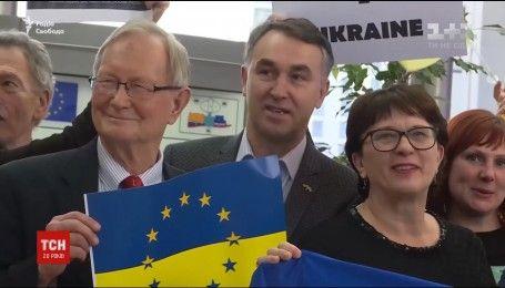 Послы стран ЕС будут рассматривать безвиз для Украины