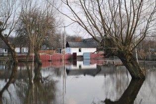 Синоптики попередили про підвищення рівнів води у річках та утворення селів на Закарпатті