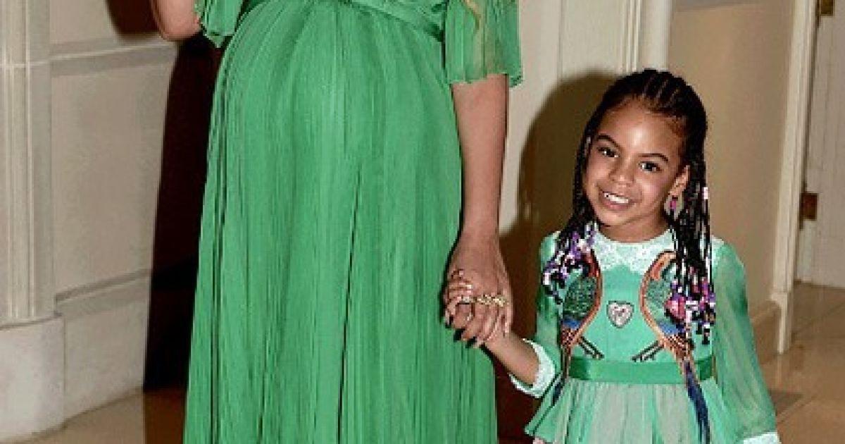 Беременна двойней Бейонсе очаровала образом в роскошном зеленом ... fb408880194