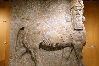 В туннелях Мосула нашли древние статуи крылатых быков