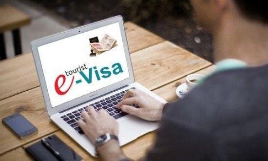 Кабмін підвищив вартість електронної візи до України