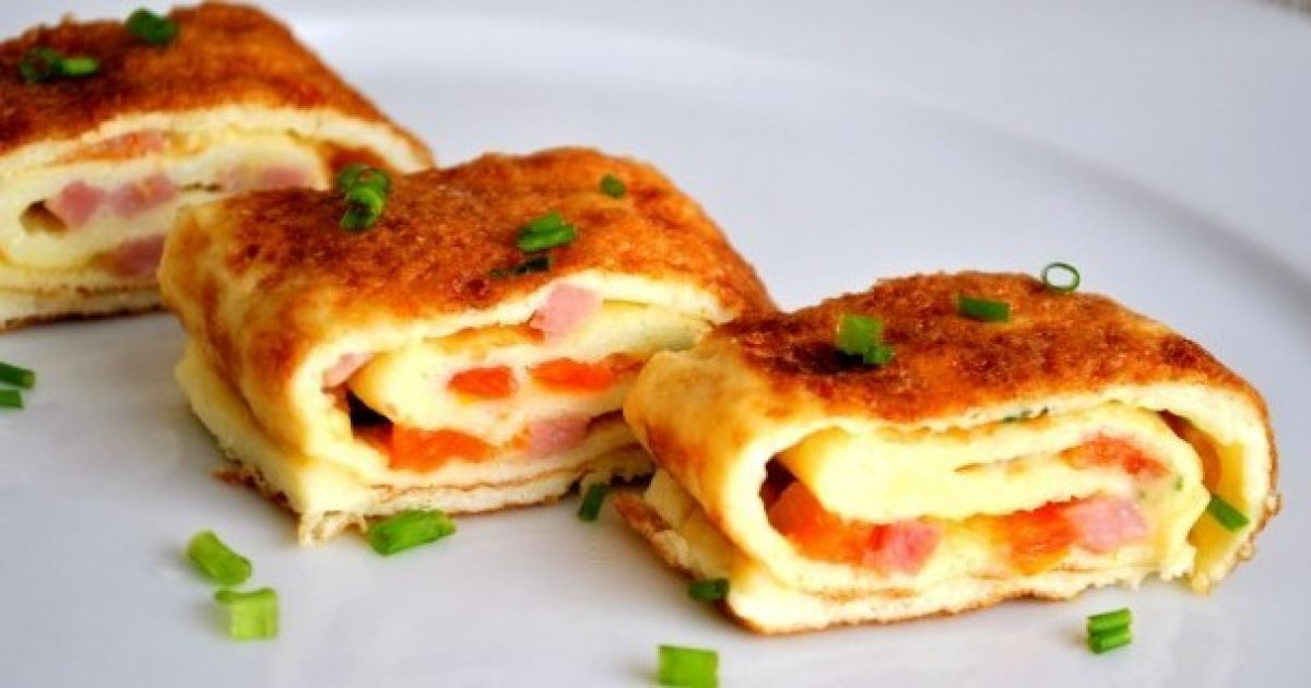 Рецепт омлета-рулета с сыром и беконом