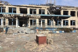 Ситуація у Широкиному: військові просунулися на кілька кілометрів, але бойовики продовжують нищити село