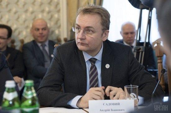 """""""Бути чесним"""": Садовий та Гриценко презентували угоду про об'єднання"""
